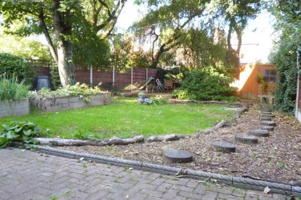 Fairholm - Garden